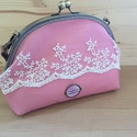 Tia Jonas handmade - Rózsaszín csipkés bőr kistáska, fém keretes tárca