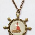 Hajókormány üveglencsés szett, Ékszer, Nyaklánc, Hajókormány üveglencsés medál piros hajóval.  Medál mérete: 3 cm. Nyaklánc hossza: 45 cm, d..., Meska