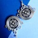 Ezüst fülbevaló, Ékszer, Fülbevaló, Egyedi ezüst fülbevaló  A készítésnél felhasználtam:  - sujtás zsinór ( ezüst ) - gomb (f..., Meska