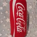 Coca cola párna, Dobozos Coca Cola formájú párna! Méretei: 40cm...