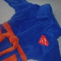 Wellsoft pihe puha gyerek köntös, szuperhősöknek (2-5 éves korig), Baba-mama-gyerek, Kék színű wellsoft köntös, együtt nő a gyerkőccel. 2-től 5 éves korig használható. Super..., Meska