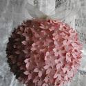RENDELÉSRE KÉSZÜL! _ Virággömb szalaggal, Dekoráció, Esküvő, Dísz, Esküvői dekoráció, kb.20 cm átmérőjű virággömb organza szalaggal függesztett dísz. Esküvői, születésnapi, p..., Meska