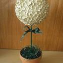 Virágfa, Dekoráció, Esküvő, Dísz, Esküvői dekoráció, Mindenmás, Papírművészet, Papír szirmokból készült, gyöngyközéppel tűzdelve hungarocell gömbre dekorációs célra. A gömb átmér..., Meska