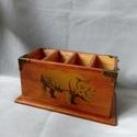 Asztali fa írószertartó , Asztalra tölgyfából készült 4 rekeszes írós...
