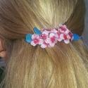 Virágokkal kirakott francia hajcsat , Ruha, divat, cipő, Hajbavaló, Hajcsat, Ékszerkészítés, Tavaszt ídéző virágos francia csat. Műgyantából készítettem a virágokat., Meska