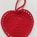 Piros szív, Mindenmás, Dekoráció, Szerelmeseknek, Esküvő, Horgolás, Piros pamut fonalból horgoltam, legszélesebb része kb .9,5cm, magassága: 9 cm, akasztó hossza: 5,5c..., Meska