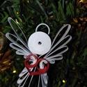 Angyalka piros szívvel, Dekoráció, Karácsonyi, adventi apróságok, Ünnepi dekoráció, Karácsonyfadísz, Karácsonyi dekoráció, Papírművészet, Quilling technikával készült fehér angyalka piros szívvel. Magassága: 5cm, szélessége: 3,5cm. A kép..., Meska