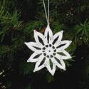 Horgolt csillagok, Dekoráció, Karácsonyi, adventi apróságok, Karácsonyfadísz, Karácsonyi dekoráció, Ezt a csillagot pamut horgoló cérnából horgoltam.Nagyobb mennyiség rendelhető.A csillag méret..., Meska