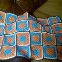 Horgot takaró, Baba-mama-gyerek, Baba-mama kellék, Nagyi négyzetkből készített takaró. Vegyes fonalból készült.Első sorban babáknak ajánlom ..., Meska