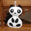 Panda maci, Játék, Dekoráció, Otthon, lakberendezés, Játékfigura, Hímzés, Varrás, Filcből készítettem ezt a kedves panda macit. Szatén szalag akasztója van, hogy akár a gyerekszoba ..., Meska
