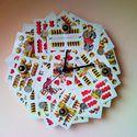 Ultis falióra magyar kártyával és 2 forintos pénz érmékkel ulti játékosoknak férfiaknak kártyapartikra, Férfiaknak, Otthon, lakberendezés, Falióra, Óra, ékszer, kiegészítő, Mindenmás, Papírművészet, Ultis falióra magyar kártyákkal és 2 forintos pénzérmékkel díszítve, ulti játékosoknak, férfiaknak,..., Meska