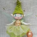 Karácsonyi tündérke- Zina, Baba-mama-gyerek, Játék, Dekoráció, Baba, babaház, Baba-és bábkészítés, Zina kb 15 cm magas  drótból, textilből és gyapjúból készült dekorációs baba, vagy játék.  A babán ..., Meska