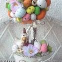 Húsvéti színes tojásfa, Húsvéti díszek, Otthon, lakberendezés, Asztaldísz, Virágkötés, Mindenmás, Polisztirol gömböt körberagasztottam színes tojásokkal, termésekkel és virágokkal.Egy fém vödröt ki..., Meska