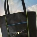 BELLA TÁSKA , Táska, Válltáska, oldaltáska, Tarisznya, Fekete színű textilbőrből készítettem ezt a praktikus, sok zsebes, csinos táskát. Elöl van ..., Meska