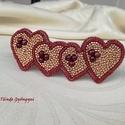 Piros-arany szívek franciacsat, Szerelmeseknek, Képzőművészet, Ruha, divat, cipő, Hajbavaló, Gyöngyhímzéssel, aprólékosan kidolgozott mintával készítettem ezt a kiegészítőt. Bordós-piros szívek..., Meska