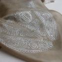 Kalotaszegi mintás  selyemkendő, 55x55 cm-es hernyóselyem kendő .Bézs színben g...