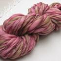 Virágzás  -kézzel festett és font gyapjúfonal-, 100 % merinói gyapjú kézzel font vékony-vastag...