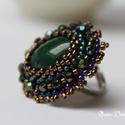 Zöld jáde gyűrű, Ékszer, Gyűrű, Különleges  gyűrű , amiben garantáltan nem maradsz észrevétlen .Gyöngyhímzéssel készült. A fő köve e..., Meska