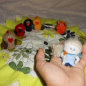 Bábok pezsgősdugóból - A három csibe, Játék, Báb, Készségfejlesztő játék, Baba-és bábkészítés, Újrahasznosított alapanyagból készült termékek, A bábjátékkal a gyerekek különböző képességei fejlődnek, tökéletesednek: képzelet, fantázia, kreati..., Meska