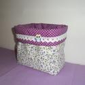 Lila apró virágos- pöttyös-csipkés textil tároló, Baba-mama-gyerek, Otthon, lakberendezés, Szépségápolás, Fürdőszobai kellék, Patchwork, foltvarrás, Varrás,  Fehér alapon apró lila virágos pamut anyagból készítettem ezt a bájos  tárolót. A belsejét lila al..., Meska