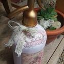 Romantikus vintage pink szódásüveg, Dekoráció, Dísz, Szódásüveg krétafesték alapozás után szalvétatechnikával díszítve, waxolva a könnyebb ti..., Meska