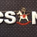 hintaló karácsonyra, Dekoráció, Otthon, lakberendezés, Ünnepi dekoráció, Karácsonyi, adventi apróságok, Varrás, kb 65cm hosszú, natur gyapjúfilcből kézzel varrott betűgirland, A betűk magassága 7cm. Madzagra fűz..., Meska