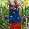 Madarakkal suttogó tündér, Tavaszi tündér, szelíd, a madarak jó barátja....
