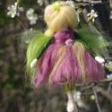 Tavasz tündére, Festett gyapjúból, tűnemezeléssel készítette...