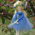 Lenvirág tündére, A lenvirág finom kékje ihlette ennek a tündérk...