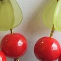 Cseresznyés fülbevaló, Ékszer, Fülbevaló, Cseresznyés fülbevaló. Réz  szerelék. Nikkelmentes akasztó Kb:3 cm, Meska