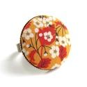Cseresznyevirágos gyűrű - sárga, Ékszer, óra, Gyűrű, Gyönyörű cseresznyevirágos gyűrű a kifinomult, nőies darabok kedvelőinek.   A gomb átmérő..., Meska