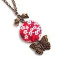 Cseresznyevirágos, pillangós nyaklánc - piros, Ékszer, Nyaklánc, Nőies, romantikus nyakláncot készítettem cseresznyevirág mintával és pillangóval.  A gomb átmérője 2..., Meska
