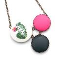 Kaktuszos nyaklánc - rózsaszín virággal, Ennek a nyakláncnak a medál részét három kapc...