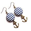 Vasmacskás matróz fülbevaló - kék, Ékszer, Gyűrű, A nyár és a tenger szerelmeseinek.  Kék-fehér matrózcsíkos gombok, vasmacskával, fülbevalóként.  A g..., Meska