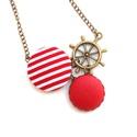 Hajókormányos matróz nyaklánc - piros, Ékszer, Nyaklánc, A nyár szerelmeseinek egy matrózcsíkos, tenger-illatú nyaklánc! :)  A gombok átmérője 25 és 20 mm.  ..., Meska