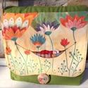 Virágos-babás táska, egyedi, kézzel festett, Táska, Válltáska, oldaltáska, Varrás, Festett tárgyak, Egyedi, kézzel festett táska kis-nagy gyerekeknek. A táskát is én készítem, anyaga pamutvászon, bél..., Meska