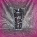 Hello Kitty pohár, Otthon, lakberendezés, Konyhafelszerelés, Bögre, csésze, Mindenmás, Üvegművészet, 2,5 dl-es pohárra gravíroztam a Hello Kitty figurát és a nevet.  ***A termék rendelhető egyéni elké..., Meska