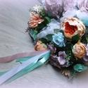 Romantikus virágdísz - mennyezeti dekoráció, Esküvő, Esküvői dekoráció, Kék és mályva színárnyalatok kombinációjával készült gömb. Mennyezeti dekoráció közép..., Meska
