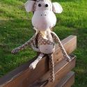 Majmocska, Baba-mama-gyerek, Játék, Játékfigura, Plüssállat, rongyjáték, Varrás, Méret: 45 cm  Pamutvászonból és biztonsági szemekkel készült igazán barátságos figura, ami a kislán..., Meska