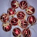Piros karácsonyi gömbök, Dekoráció, Karácsonyi, adventi apróságok, Ünnepi dekoráció, Karácsonyfadísz, Horgolás, 12 db 6 cm átmérőjű piros gömböt horgoltam be saját elképzelésű mintával. A minták nem leírás szeri..., Meska