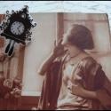 kakukkos óra kitűző, méret: 4x2,5cm