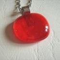 Piros  nyaklánc, Ékszer, Medál, Nyaklánc, Minőségi művész üvegből  készítettem ezt az egyszerű, szolíd medált, fusing technikával, 800 celzius..., Meska