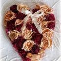 Szeretettel - rózsás dísz, Dekoráció, Otthon, lakberendezés, Dísz, Ajtódísz, kopogtató, 16x20 fa szív alapra készült, ming és fa rózsákkal borított dísz.  , Meska