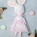 balerina egérke pamutból - textilbaba , Játék, Baba-mama-gyerek, Baba, babaház, Plüssállat, rongyjáték, 32 cm-es pamut anyagból készült balerina egérke. Rózsaszín csipkés organza szoknyát visel, f..., Meska