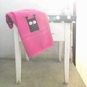 Pink baglyos törölköző - Fekete Uhu kéztörlő, Otthon, lakberendezés, Lakástextil, Az álmos reggeleket is garantáltan vidámabbá teszi egy Uhu és Barátai törölköző! Egy 50x100 cm-es pi..., Meska
