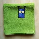 Zöld kéztörlő bagoly rátéttel - Kék pöttyös Uhu törölköző, Otthon, lakberendezés, Férfiaknak, Lakástextil, Borotva, szappan, pipere, Varrás, Az álmos reggeleket is garantáltan vidámabbá teszi egy Uhu és Barátai törölköző! Egy 50x100 cm-es v..., Meska