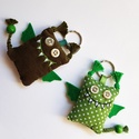 Szerelmes sárkányok (Walesi zöldek) - 2db textil kulcstartó, Mindenmás, Kulcstartó, Egy zöld pöttyös és egy sötétzöld bársony sárkány egy csomagban, pároknak, szerelmeseknek, örök bará..., Meska