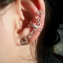 Hosszabb fazonú fülgyűrű , Ékszer, Fülbevaló,  Ezt a fülgyűrűt  ezüstözött ékszerdrótból készítem. Ez a különleges ékszer egyedi, elegáns és ajánd..., Meska