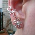 Hajított fülgyűrű , Ékszer, óra, Fülbevaló, Ezt a fülgyűrűt  ezüstözött ékszerdrótból készítem.   Ez a különleges ékszer egyedi, elegáns és aján..., Meska