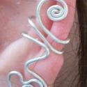 Sziv  fülgyűrű, Ékszer, óra, Fülbevaló, Ezt a fülgyűrűt  ezüstözött ékszerdrótból készítem. Ez a különleges ékszer egyedi, elegáns és ajándé..., Meska